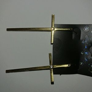 Cross earrings with jewel stud